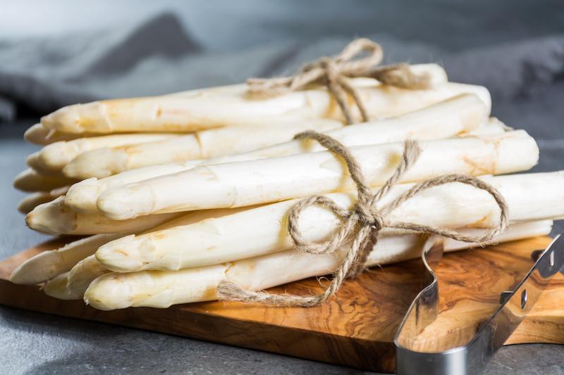 une asperge est un aliment pour avoir un ventre plus plat