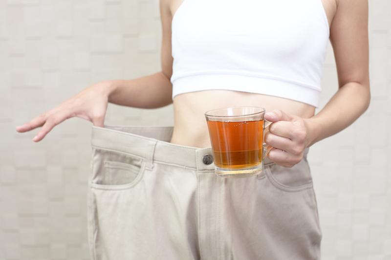 ¿Por qué funciona beber té para adelgazar?  - CalcularHisIMC