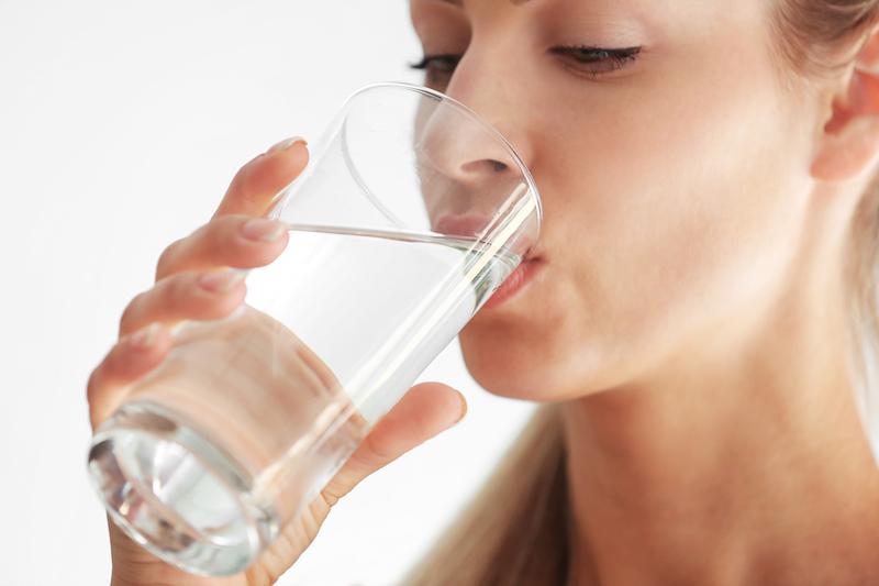 l'eau peut aider à réduire la faim